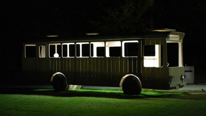bus_midnight