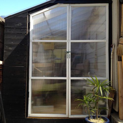 cabindoor01